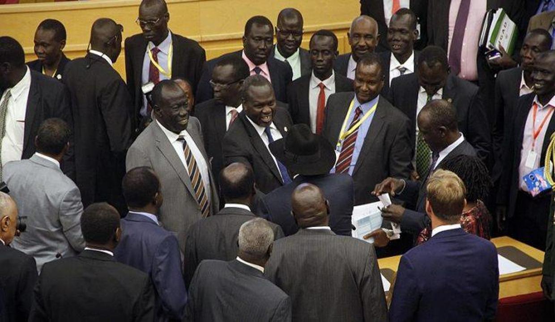 Güney Sudan'da geçici hükümet kuruldu