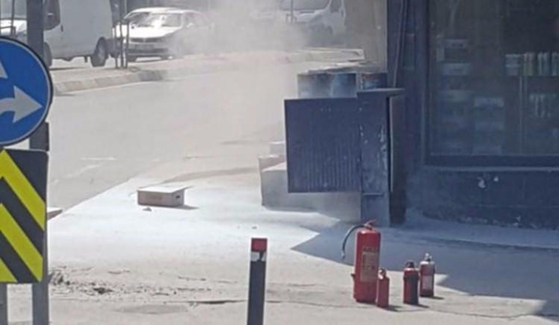 Yeraltı kabloları patladı, vatandaş paniğe kapıldı