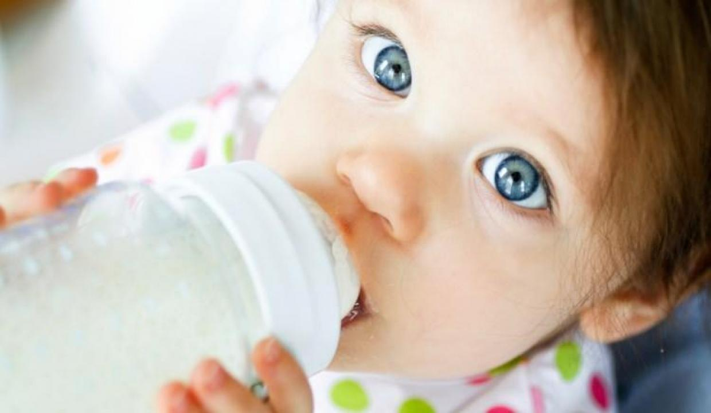Bebeği biberon kullananlar dikkat!