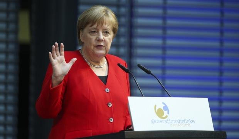 Merkel'den Avrupa'ya uyarı! Karanlık güçler yükseliyor