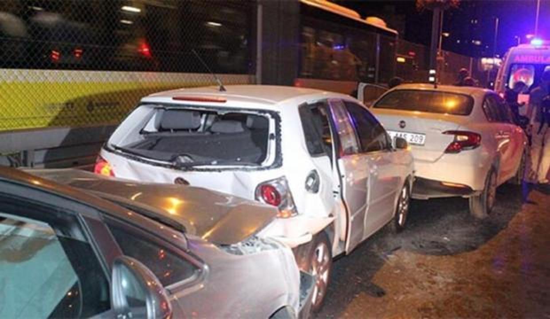 Mecidiyeköy'de zincirleme kaza: Yaralılar var
