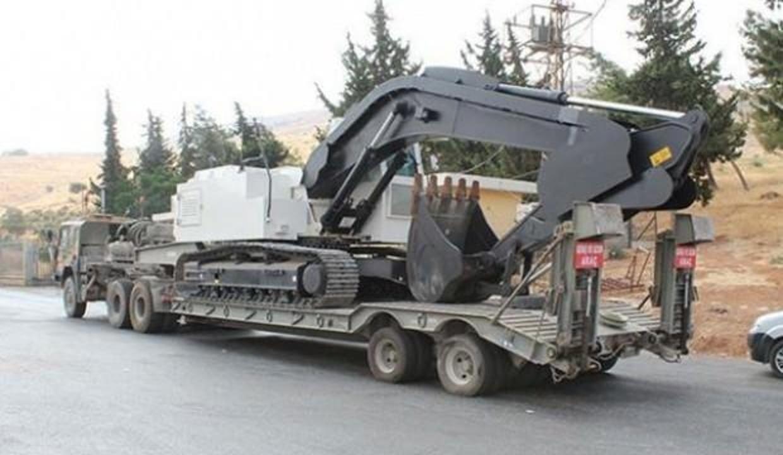 """Bakanlıktan """"Barış Pınarı""""na iş makinesi desteği"""