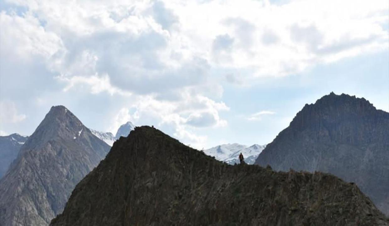 Terörden arındırılan Zap Vadisi ilkbahar güzellikleriyle hayran bırakıyor