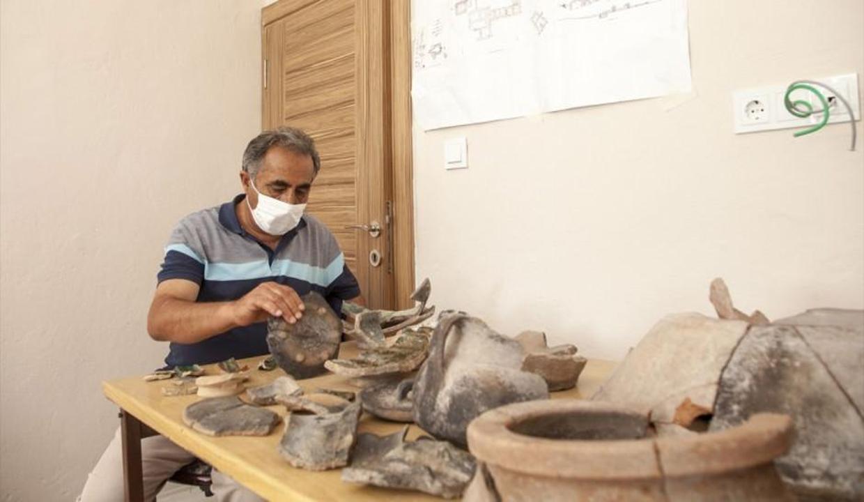 Ahlat'ta 5 bin 200 yıl öncesine ait buluntular keşfedildi