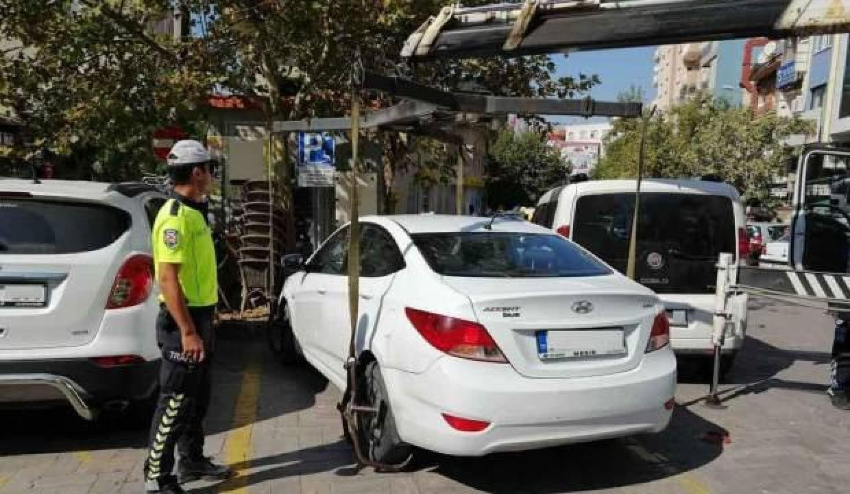 EGM'den yanlış park nedeniyle çekilen araçlarla ilgili uyarı!