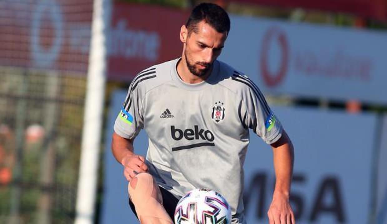 Beşiktaş'tan Kocaelispor'a! 2 yıllık imza