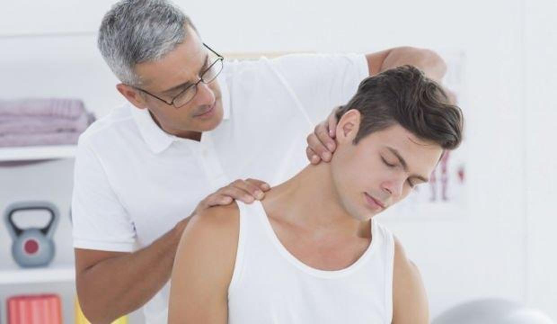 Boyun ağrısı hangi doktora bölüme gidilir? Boyun ağrısına bakan poliklinikler...