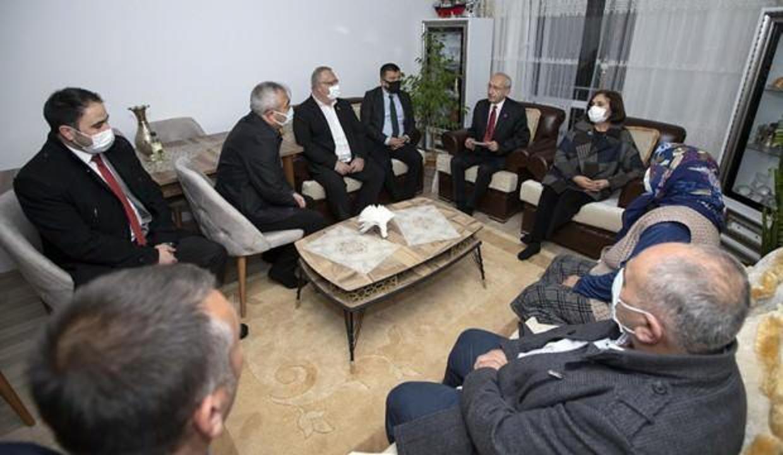 Kılıçdaroğlu, yakın korumasına taziye ziyaretinde bulundu