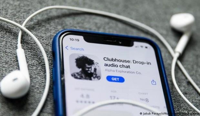 Son günlerin popüler uygulaması Clubhouse'da gizlilik açığı: Sözleşmesini değiştirebilir