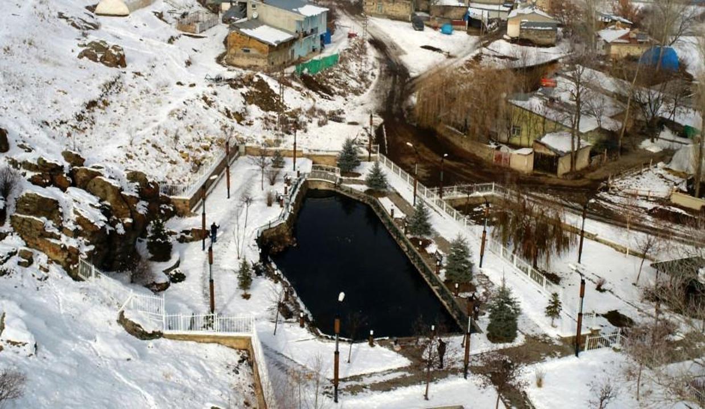 Eksi 40 derecede bile donmayan doğa harikası: Balıklı Göl