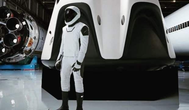 SpaceX ile uzaya giden astronotlar rekor kırdı