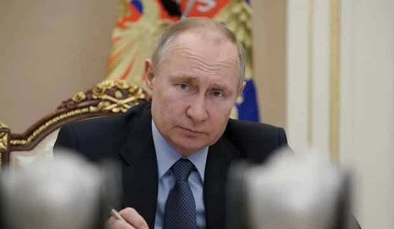 Putin'den kovid'le mücadele eden doktorlara nişan