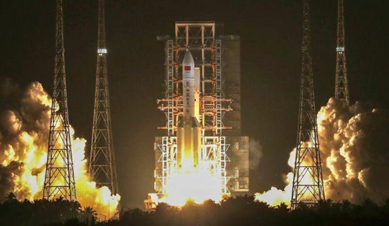 Çin'in roketi ikinci denemede uzaya fırlatıldı