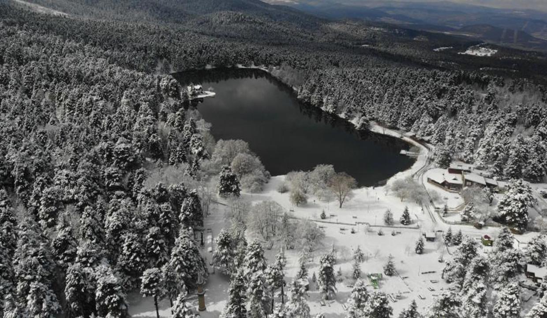 Gölcük Tabiat Parkı'nda muhteşem kar manzarası