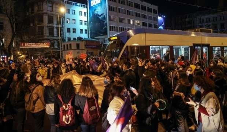 İstanbul Valiliği duyurdu: 13 kişi gözaltına alındı!