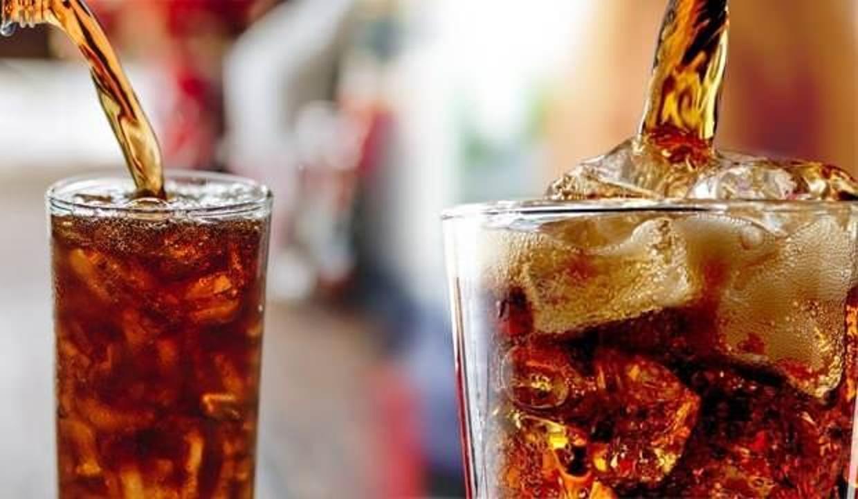 Asitli içecekler pek çok hastalığa neden oluyor! Reflü, diyabet, insülin direnci...