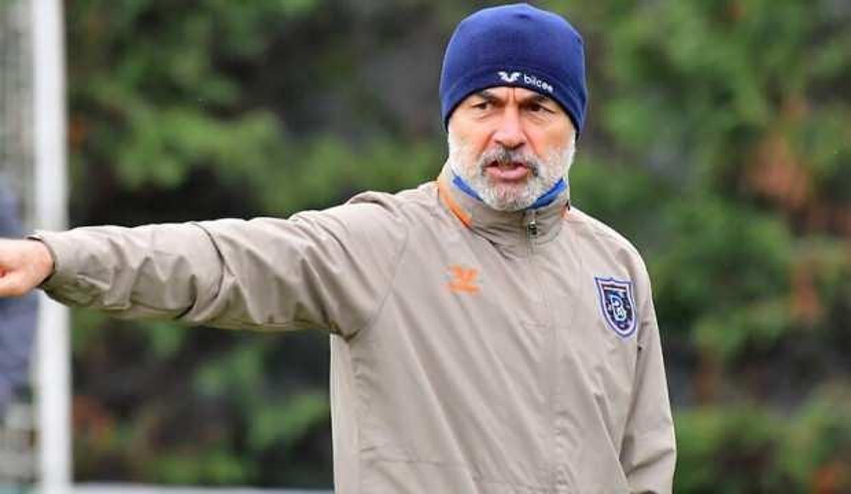 Aykut Kocaman: Savunma futbolu oynatıyor söylemleri son derece komik