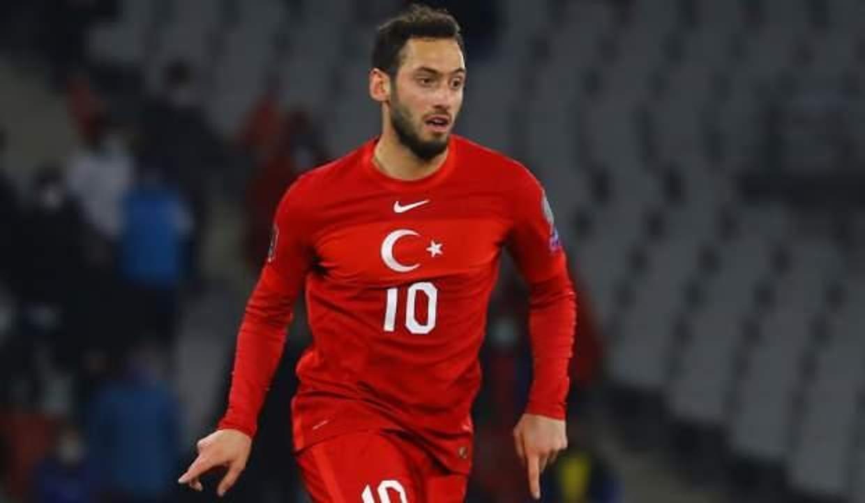 Juventus'un yeni hocası Alegri, Hakan Çalhanoğlu'nu istiyor