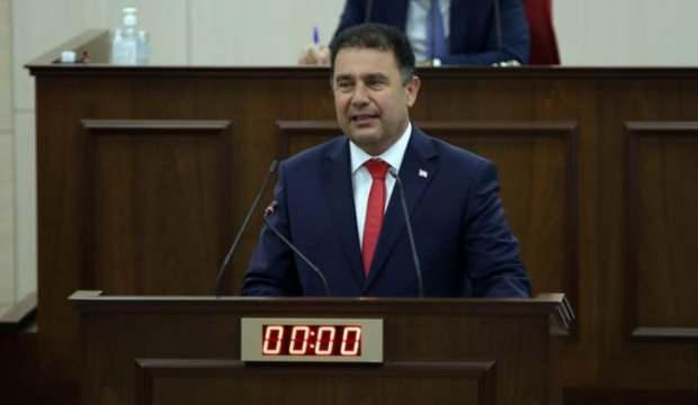 KKTC Başbakanı Saner: Erken seçim tarihinin Nisan 2022 olmasında ısrarlıyız