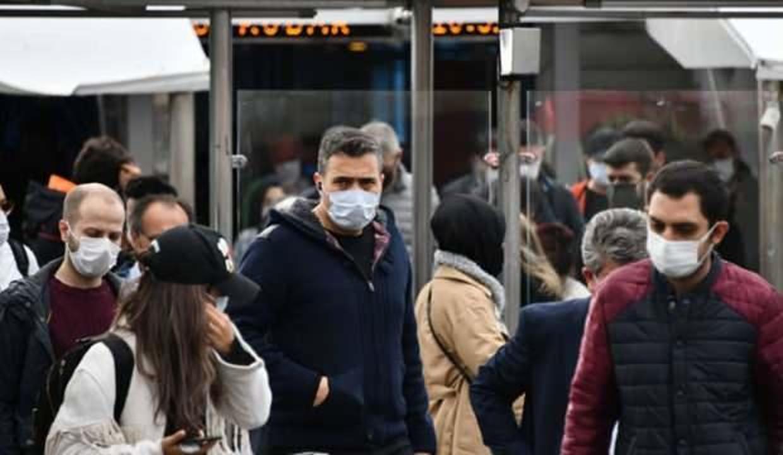Maskesiz ne zaman gezebiliriz? Bilim Kurulu üyesi açıkladı