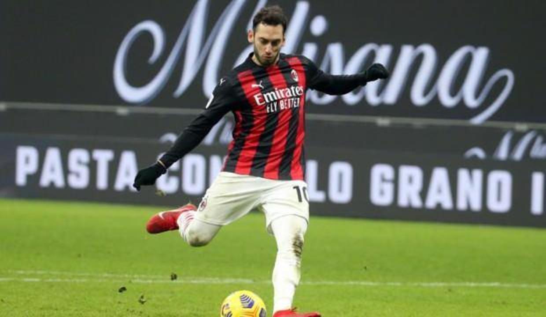 Milan'dan Hakan Çalhanoğlu'na yeni teklif