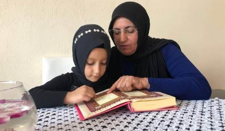 Anneannesine özendi, 6 yaşında Kuran-ı Kerim öğrendi!