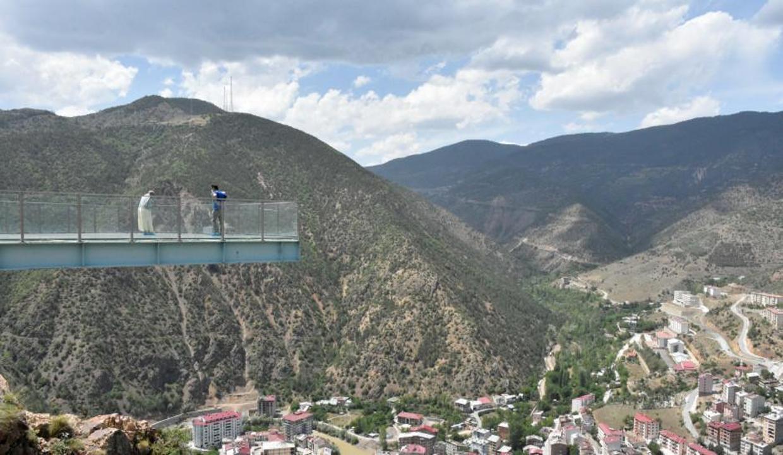 240 metre yükseklikteki seyir terası ziyaretçilerini bekliyor
