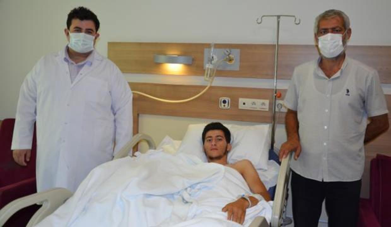 Şanlıurfa'da 22 yaşındaki gencin parçalanan eli ameliyatla dikildi