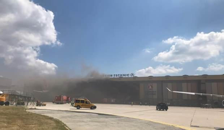 Atatürk Havalimanı uçak hangarında patlama
