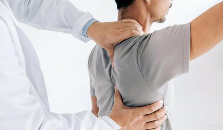 Bu ağrılara dikkat! Yüzde 60'ının nedeni omuz sıkışması