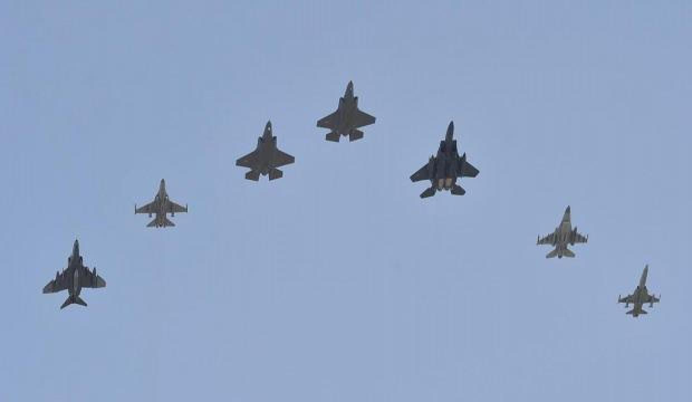 Çin, 28 savaş uçağıyla Tayvan'ın hava sahasını ihlal etti