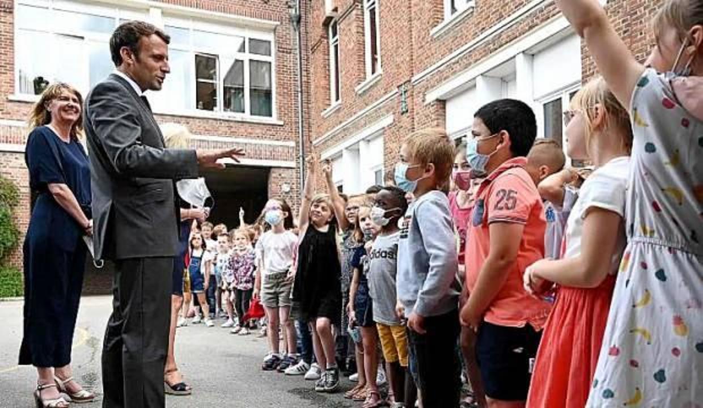 İlkokul öğrencilerinden Macron'u zorlayan soru
