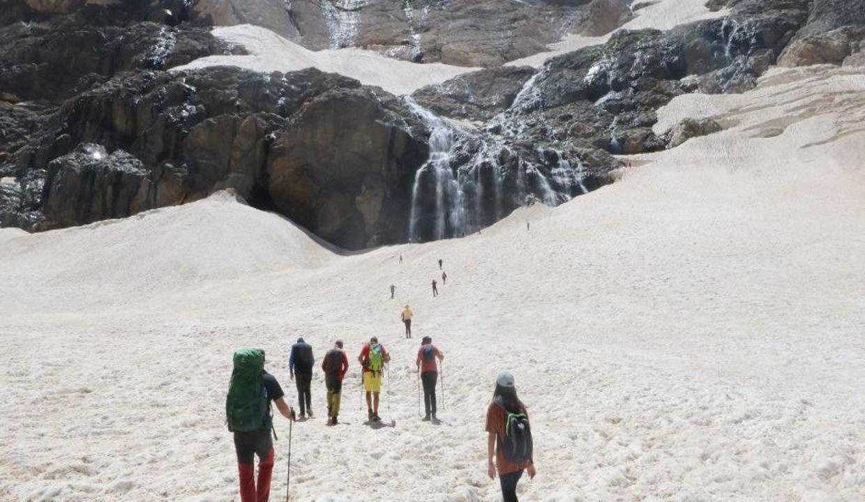 Hakkari'nin 20 bin yıllık buzullarına yoğun ilgi