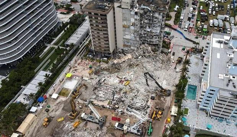 ABD'de çöken binada ölenlerin sayısı 24'e çıktı