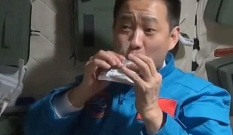 Çin uzay istasyonu 120 çeşit yemek sunuyor