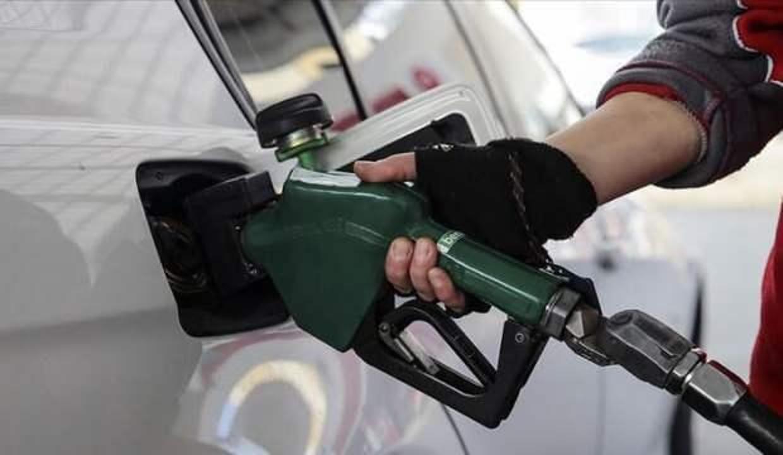 Lübnan'da benzin ve motorine büyük zam yapıldı
