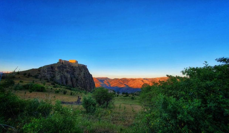 600 yıllık kalenin surlarından eşsiz günbatımı manzarası