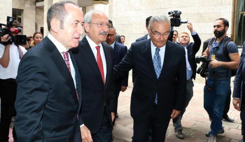Ahmet Hakan yazdı: Baykal neden kötü, Kemal Bey neden iyi?