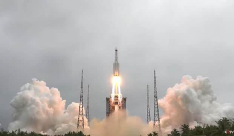 """Çin, sinyal aktarımı uydusu """"Tienlian I-05""""i fırlattı"""