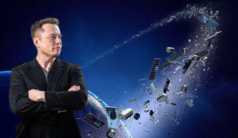 Elon Musk'ın şirketi uzay çöplerini toplayacak