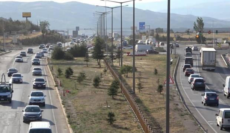Gurbetçiler yollara düştü: 43 ilin geçiş noktasında yoğunluk