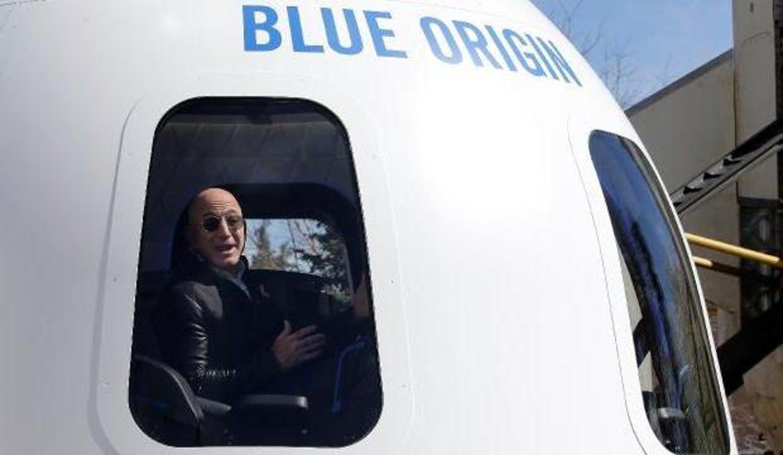 Jeff Bezos'a ilk uzay yolculuğunda 18 yaşında bir genç eşlik edecek