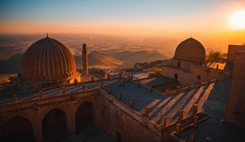 Mardin'de turizmcinin yüzü güldü