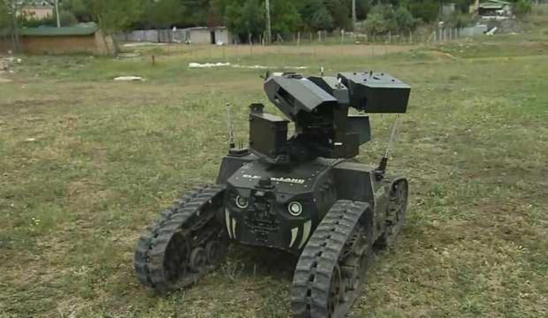 Silahlı-silahsız insansız araç yarışı, karada da başladı