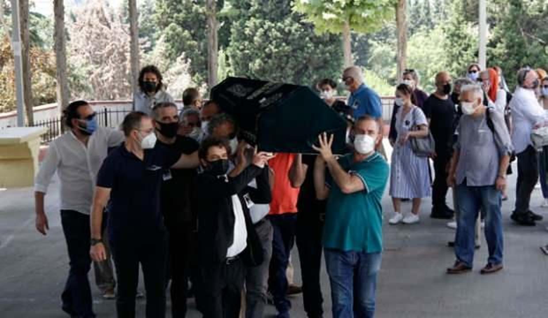Yeşilçam'ın yönetmeni Mehmet Dinler son yolculuğuna uğurlandı