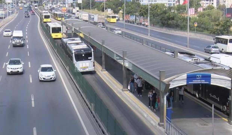 Metrobüs yolunda şaşırtan görüntü