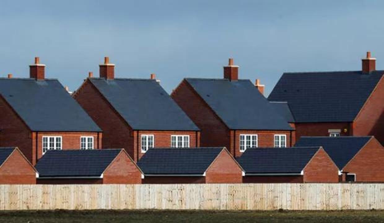 İngiltere'de konut fiyatları temmuzda yüzde 0,5 geriledi