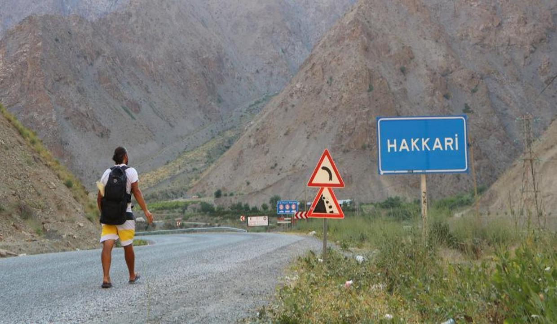Kitap yazmak için yola çıktı, 210 gün yürüdü, 76 şehir gezdi