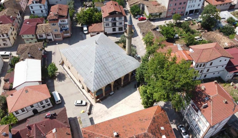 Mimar Sinan'ın kalfasının inşa ettiği cami ihtişamıyla göz dolduruyor