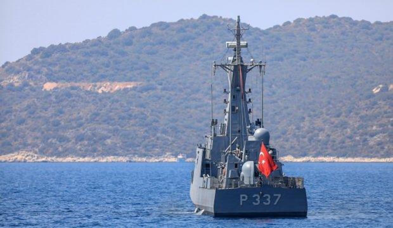 Askeri gemiler Şahan Gökbakar'a yardıma gitti